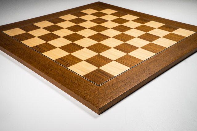 Black Boxwood Chess Set with Teak Board  76mm King